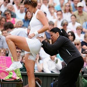 Manual Medicine Australasia Lisa Chase physiotherapist treating Liz Davenport at Wimbledon SqCrop